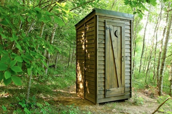 hermitage-outhouse-2