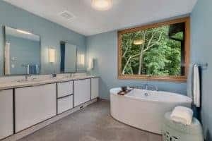 Custom Home Master Bath tub