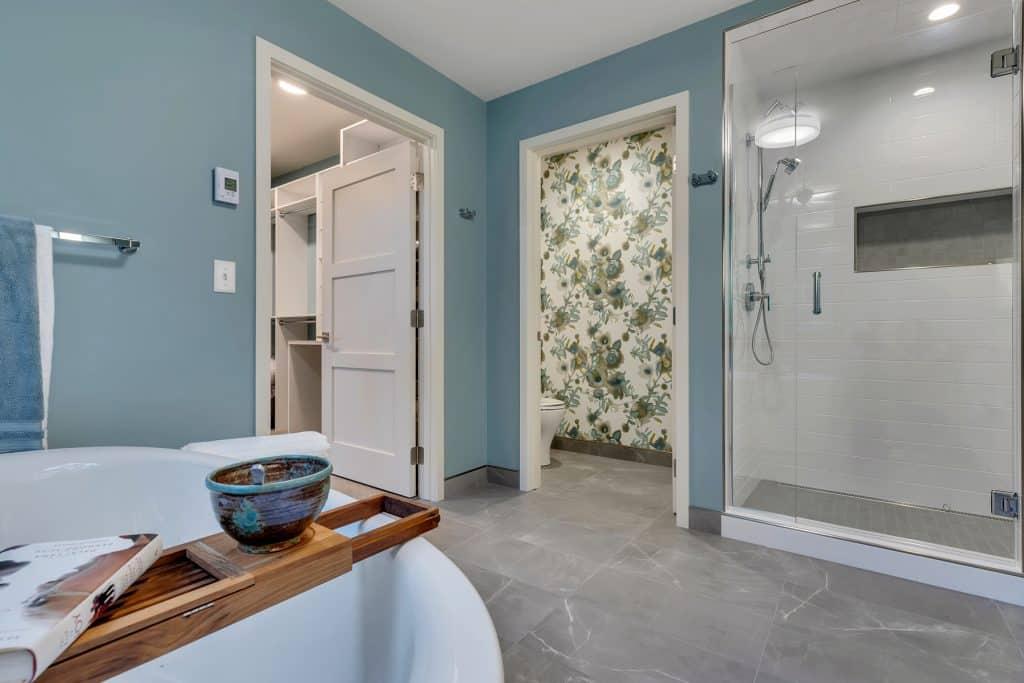 2018 Tour of Homes Master Bathroom