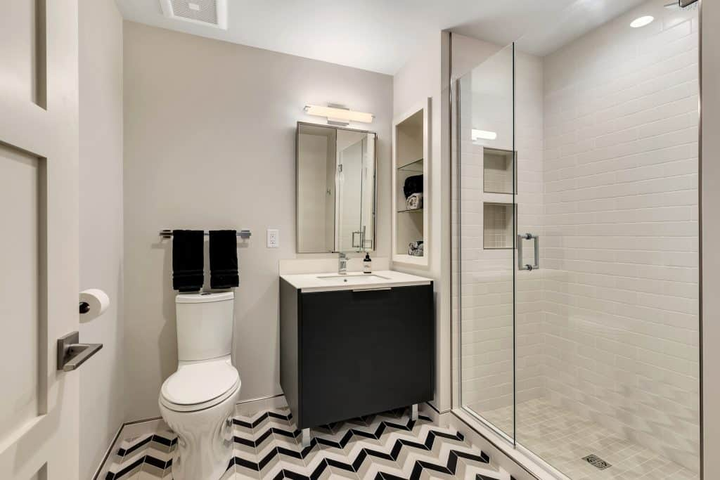 2018 Tour of Homes Guest Bathroom